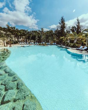 Piscina Hotel Bahía del Duque